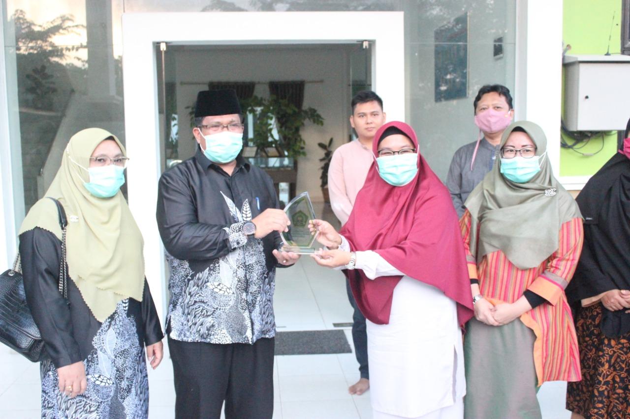 Kunjungan Kerja dan Silaturahmi Kepala Kantor Kemenag Kota Batam ke MAN IC Siak